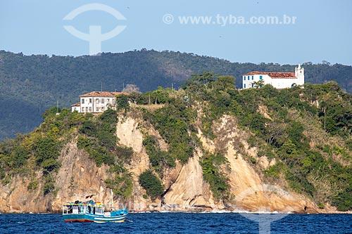Vista da Capela de Nossa Senhora da Boa Viagem (Século XVIII) na Ilha da Boa Viagem a partir da Baía de Guanabara  - Niterói - Rio de Janeiro (RJ) - Brasil