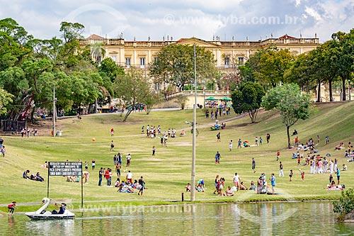 Vista do lago do Parque da Quinta da Boa Vista com o Museu Nacional - antigo Paço de São Cristóvão - ao fundo  - Rio de Janeiro - Rio de Janeiro (RJ) - Brasil