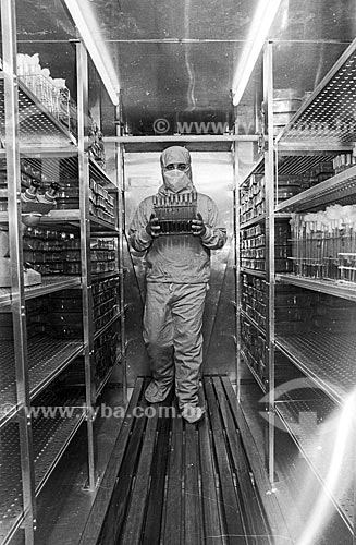 Interior de laboratório da Fundação Oswaldo Cruz - década de 80  - Rio de Janeiro - Rio de Janeiro (RJ) - Brasil