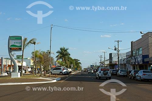 Trecho de rua comercial na cidade de Sidrolândia  - Sidrolândia - Mato Grosso do Sul (MS) - Brasil
