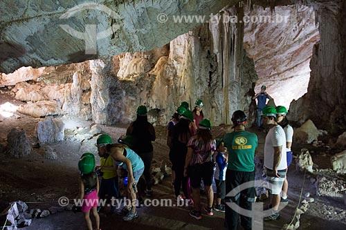 Turistas no interior da Grutas de São Miguel  - Bonito - Mato Grosso do Sul (MS) - Brasil