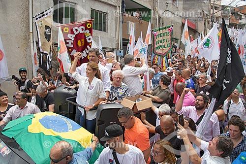 Fernando Haddad - candidato à presidência pelo Partido dos Trabalhadores (PT) - durante carreata na favela de Heliópolis  - São Paulo - São Paulo (SP) - Brasil