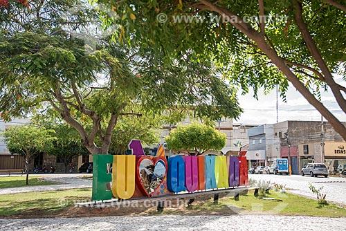 Letreiro com os dizeres: Eu Amo Quixadá na Praça Coronel Nanã  - Quixadá - Ceará (CE) - Brasil