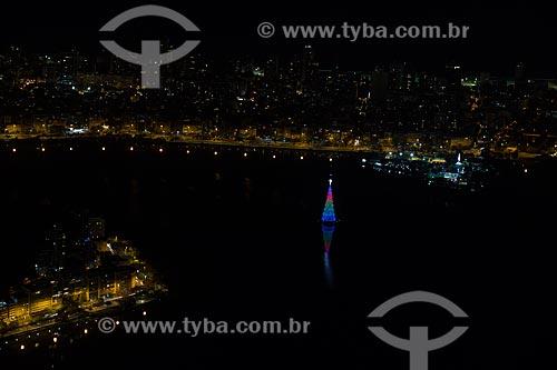 Vista da Árvore de Natal da Lagoa Rodrigo de Freitas a partir do Cristo Redentor durante a noite  - Rio de Janeiro - Rio de Janeiro (RJ) - Brasil