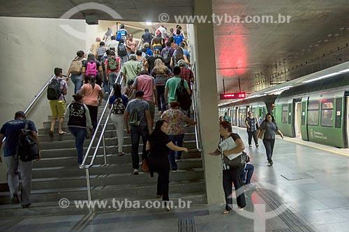 Passageiros em estação do Metrô de Fortaleza  - Fortaleza - Ceará (CE) - Brasil