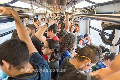 Passageiros no interior de metrô em Fortaleza  - Fortaleza - Ceará (CE) - Brasil