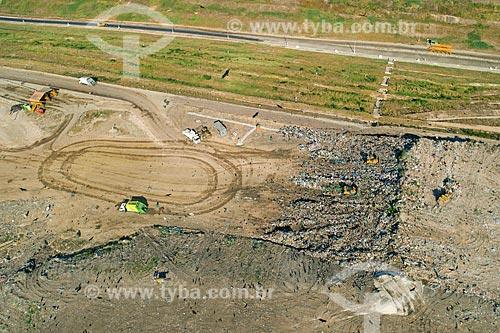 Foto feita com drone do Aterro Sanitário Metropolitano Oeste de Caucaia (ASMOC)  - Caucaia - Ceará (CE) - Brasil