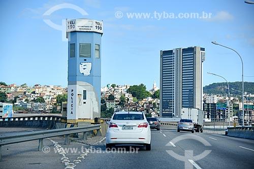 Cabine da Polícia Militar no Viaduto do Gasômetro com o Holiday inn Porto Maravilha ao fundo  - Rio de Janeiro - Rio de Janeiro (RJ) - Brasil