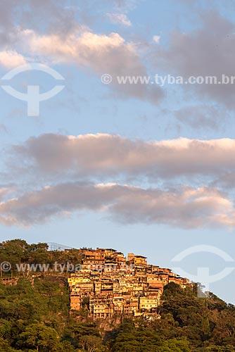 Vista geral do Morro dos Prazeres durante o pôr do sol  - Rio de Janeiro - Rio de Janeiro (RJ) - Brasil