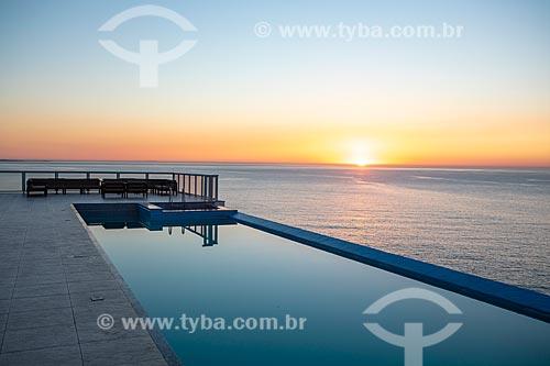Vista do pôr do sol a partir da piscina do Hotel Casa e Mar  - Maricá - Rio de Janeiro (RJ) - Brasil