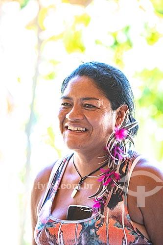 Detalhe da Cacique Jurema Nunes de Oliveira - líder da Aldeia Mata Verde Bonita (Tekoa Ka Aguy Ovy Porã) da Tribo Guarani  - Maricá - Rio de Janeiro (RJ) - Brasil