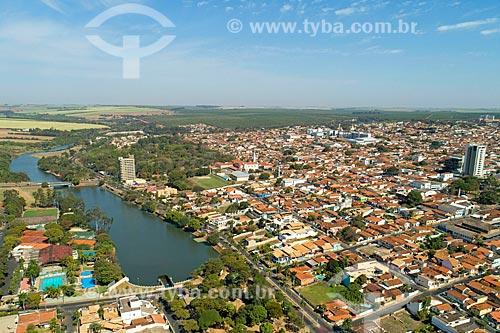 Foto feita com drone do lago artificial na cidade de Bebedouro  - Bebedouro - São Paulo (SP) - Brasil