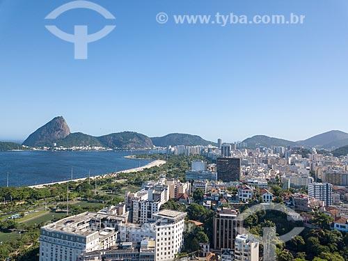 Foto feita com drone do bairro do Flamengo com o Aterro do Flamengo - à esquerda - e o Pão de Açúcar ao fundo  - Rio de Janeiro - Rio de Janeiro (RJ) - Brasil
