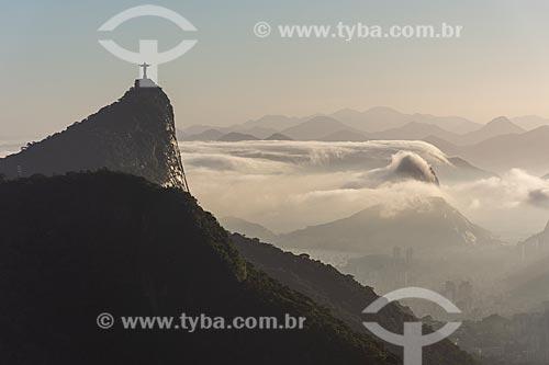 Vista do Cristo Redentor a partir da Pedra da Proa durante o amanhecer  - Rio de Janeiro - Rio de Janeiro (RJ) - Brasil