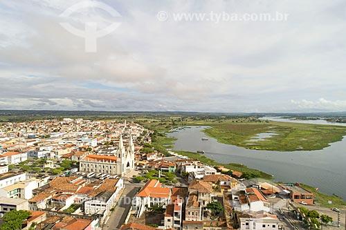 Foto feita com drone da Igreja Matriz de Santo Antônio (1718) às margens do Rio São Francisco  - Propriá - Sergipe (SE) - Brasil