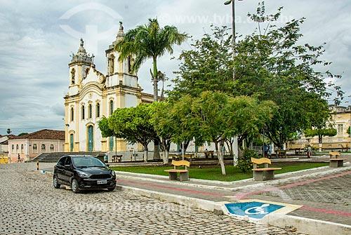 Praça na cidade de Laranjeiras com a Igreja Matriz do Sagrado Coração de Jesus (1791) ao fundo  - Laranjeiras - Sergipe (SE) - Brasil