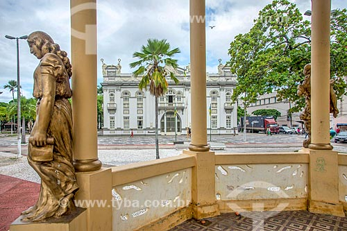 Coreto na Praça Fausto Cardoso com o Palácio Olímpio Campos (1863) - antiga sede do Governo do Estado - ao fundo  - Aracaju - Sergipe (SE) - Brasil