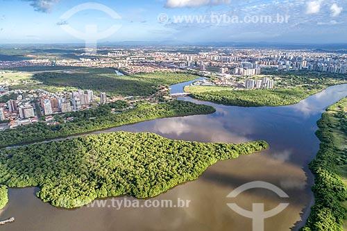 Foto feita com drone do Parque dos Cajueiros com Rio Poxim  - Aracaju - Sergipe (SE) - Brasil