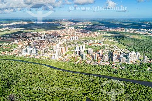 Foto feita com drone do bairro Farolândia com Rio Poxim  - Aracaju - Sergipe (SE) - Brasil